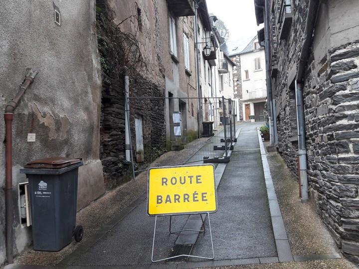 Route barrée rue de la Liberté à Allassac